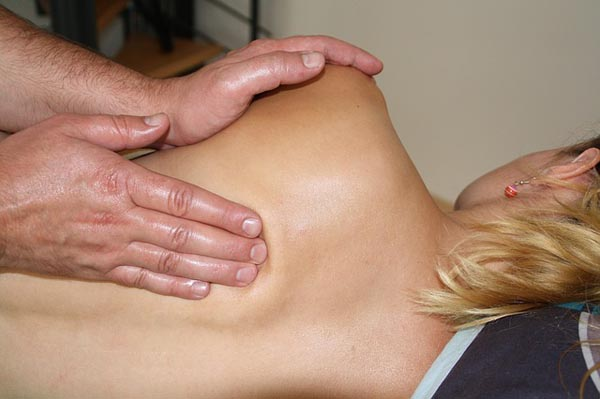 Abhyangam-Body-massage